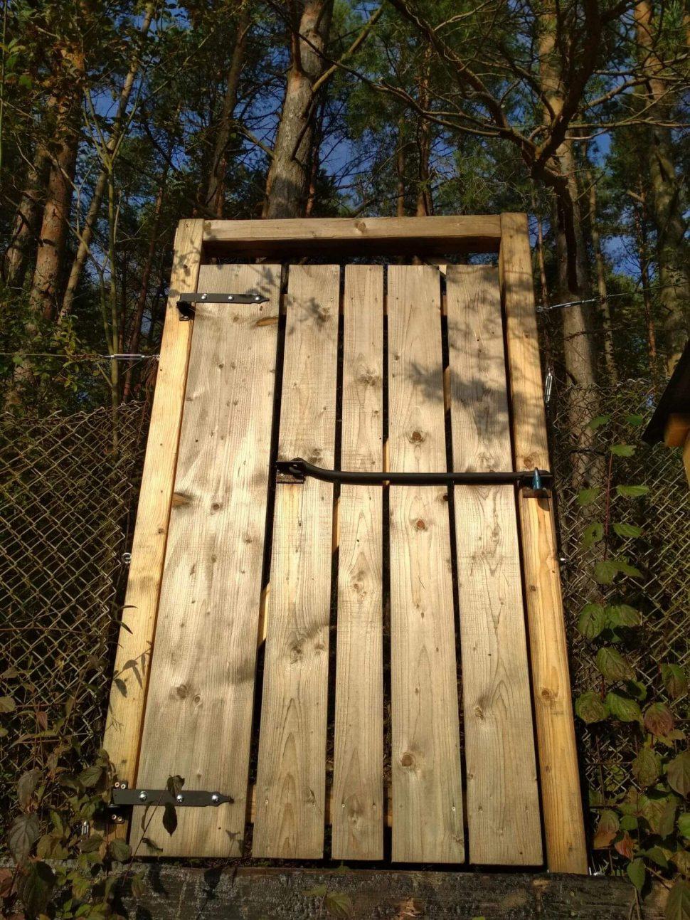 Isometall - zemné vruty - dvere