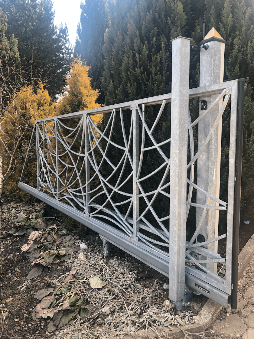 Isometall - zemné vruty - brána